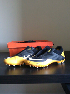 Nike football speed TD cleats- mint condition