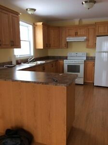 2 bedroom apartment available June 1, 2017