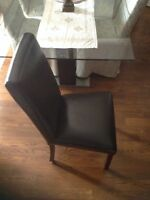 Set of 6 leather dining room chairs $750 (RoyalYork/Dundas)