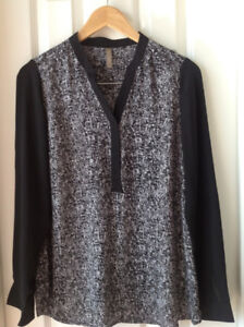 Thyme Maternity Blouse Size small