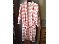 Ladies dressing gown size 10-12