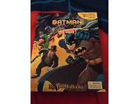 Batman busy book, with 12 figurines and playmat