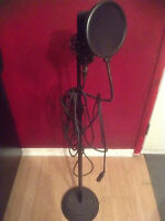 mxl 770 + stand + cord + pop filter