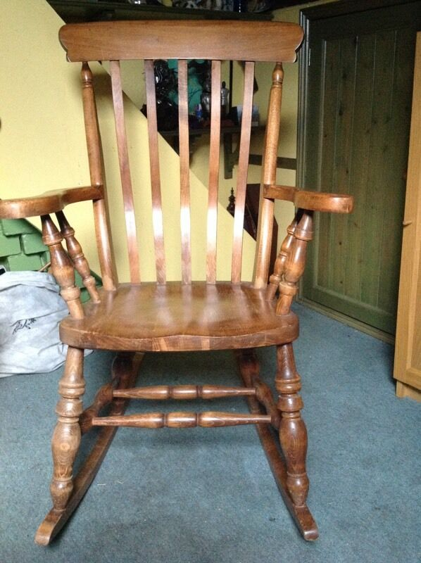 ANTIQUE PINE ROCKING CHAIR - ANTIQUE PINE ROCKING CHAIR In Houghton Le Spring, Tyne And Wear