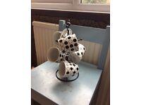 Tree with mugs £5