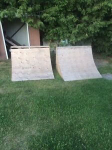 2 four foot quarter pipe ramps