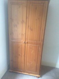 Wardrobe. Free to collect