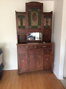 Turn-of-the-century European hutch