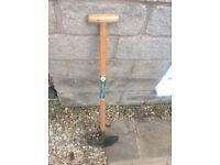 Edging-spade