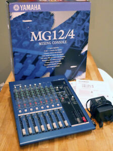 YAMAHA sound mixer MG12/4, 12 channels, excellent condition