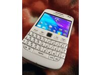 Rare Blackberry bold 9790 immaculate condition 10/10 condition unlocked WHITE SWAPS??