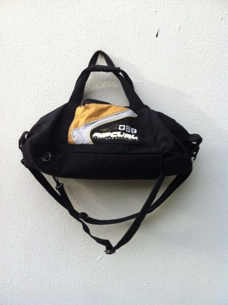 Authentic Ripcurl bag. Can sling, carry and use as haversack.