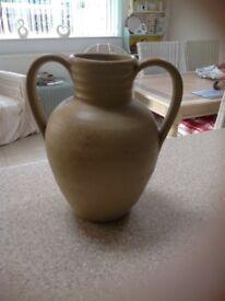 Hillstonia urn/ jug