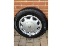Lexus LS400 wheel and excellent tyre