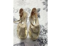 Dorothy Perkins gold shoes size 4