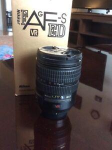 Nikon zoom-Nikkor 24-120mm lens/used