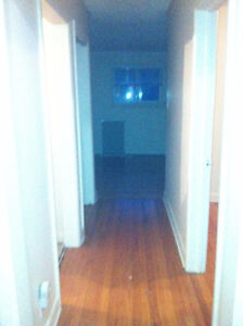 3 BEDROOM APARTMENT AVAILABLE MAY 1ST HERON ROAD AND JUNCTION AV