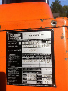 Clarke Electric Forklift 4000lb lift Cambridge Kitchener Area image 3