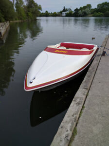 1998 Cutter XLE Offshore jet boat with cuddy cabin and toilet