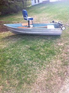 10' aluminum fishing boat, electric motor and accessories