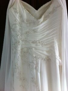 Venus Wedding gown Kingston Kingston Area image 2