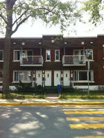 Clean 5 ½ second floor apartment in Verdun West quadruplex!