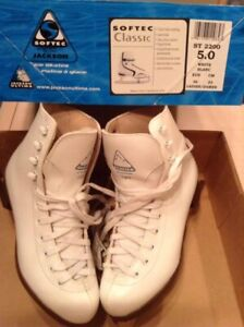 Brand new Lady Ice Skates, white size 6