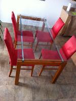 GRANDE TABLE VITRE Salle a manger + 4 CHAISES Miel / Rouge