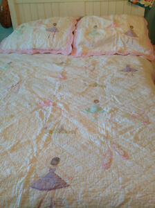 Girls double quilt and shams
