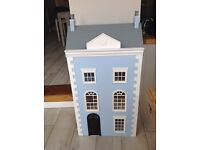 Georgian style dolls house with full furnishings