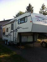 '98 Trailaire 22' Fifth Wheel