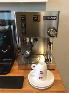 Rancilio Silvia V3 and Rocky doserless grinder + accessories