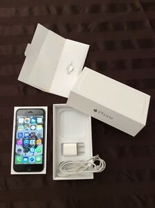 Iphone 6, 16 G black unlocked