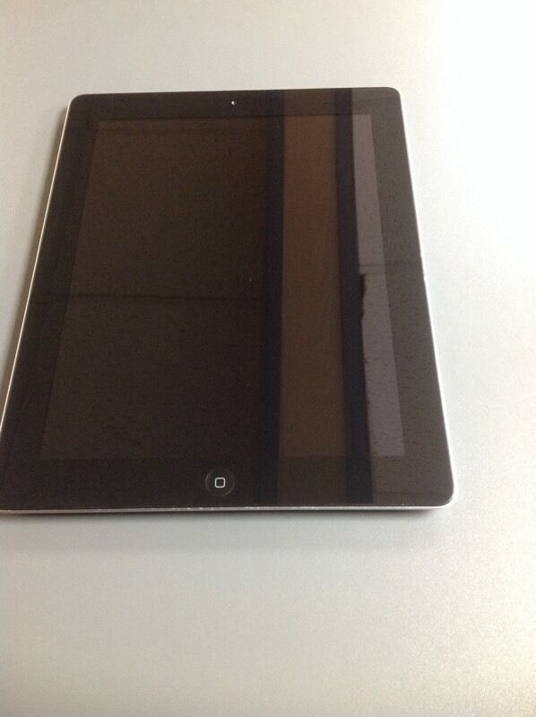 "Apple iPad 216GBBlackWiFiGood ConditionWith Receiptin Oldham, ManchesterGumtree - Apple iPad 2 Used in good condition, fully working 16GB Memory Black WiFi 9.7"" Display 7MP camera USB Cable Comes with receipt and warranty"