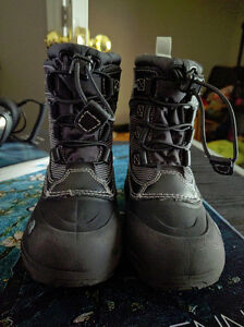 Size 11 The North Face Toddler Winter Boots, EUC London Ontario image 2