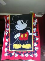 Twin Size Mickey Mouse Comforter