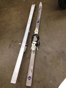 DYNASTAR SKIES WITH BINDINGS GOOD CONDITION.