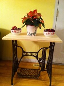 Singer -coffee/end table