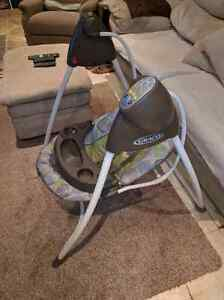 Graco automatic swing . 60$ OBO Kitchener / Waterloo Kitchener Area image 2