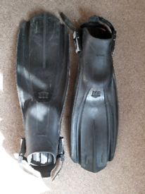 Mares Diving Fins/Flippers good Condition black