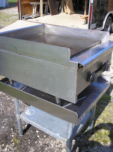 "24"" Commercial tabletop Griddle with stand"