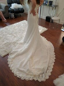 Brand New Wedding Dress for Sale!