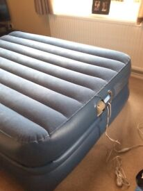 Aerobed Raised Pillowtop Double inflatable Guest Bed