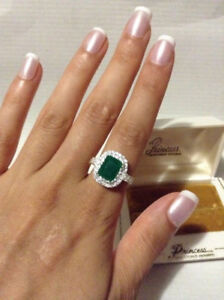 Elegant 2.24 ct Princess Colombian Emerald Ring.