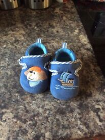 Slippers size 19/20