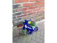 Blue pot with Flores