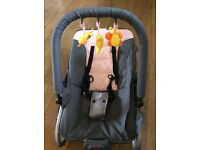 Baby bounce chair with vibrate option and hanging toys