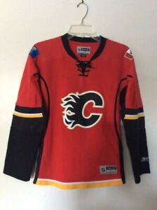 Calgary Flames Official Licensed Jersey, Women's M