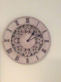 Beautiful wall clock 30 cm diameter