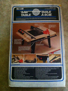 Bench top saw table